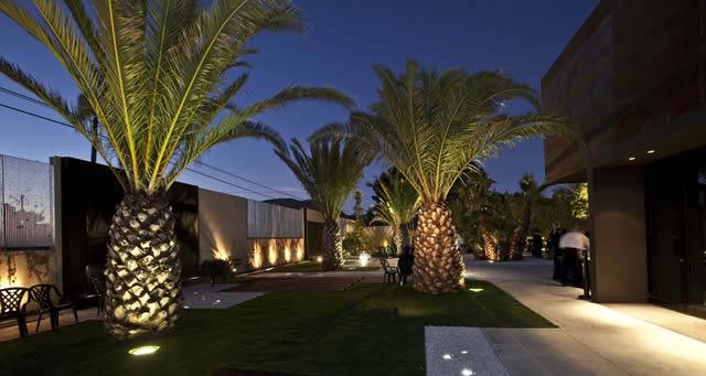 Bienvenidos quinta lacy sal n de bodas banquetes for Iluminacion para palmeras